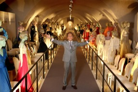 """Valentino: Master of Couture"" alla Somerset House di Londra"